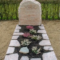 Enkel monument E101