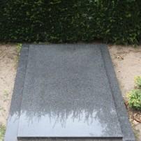 Enkel monument E96