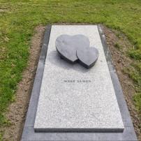Enkel monument E97