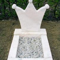 Enkel monument K12
